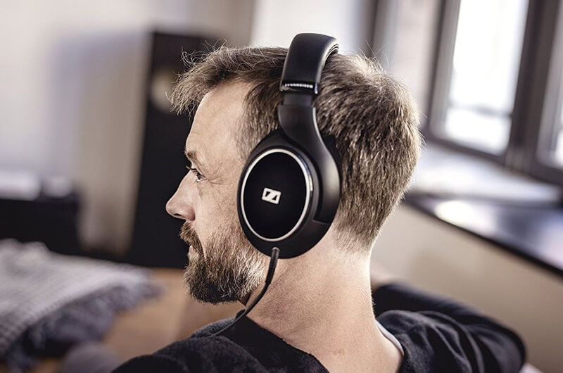 Top 15 Best Closed Back Headphones Under 200