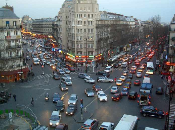 Record traffic around Paris right before the second lockdown in France