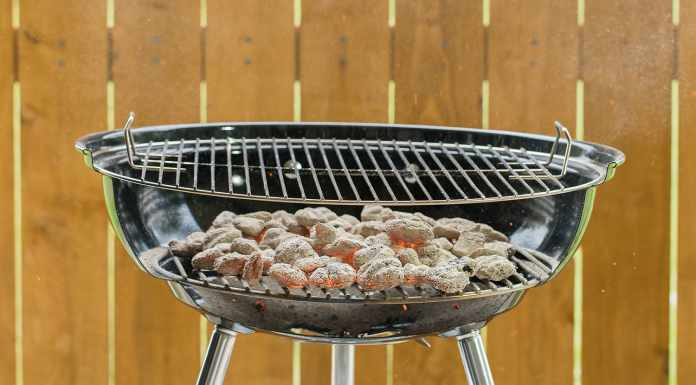 bbq chicken charcoal grill